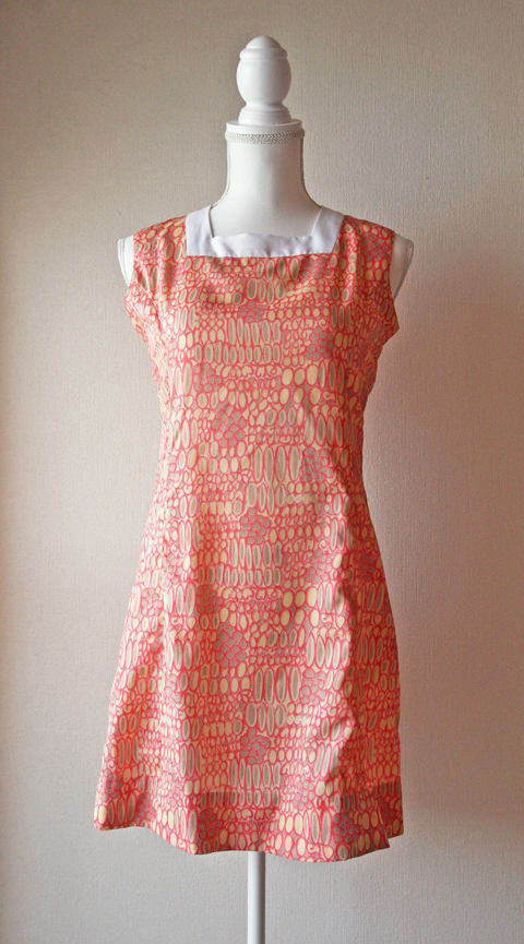 Very light sleeveless mini dress with pink novelty print 1
