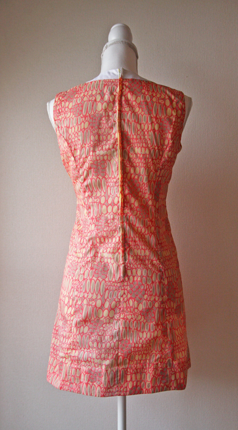 Very light sleeveless mini dress with pink novelty print 2