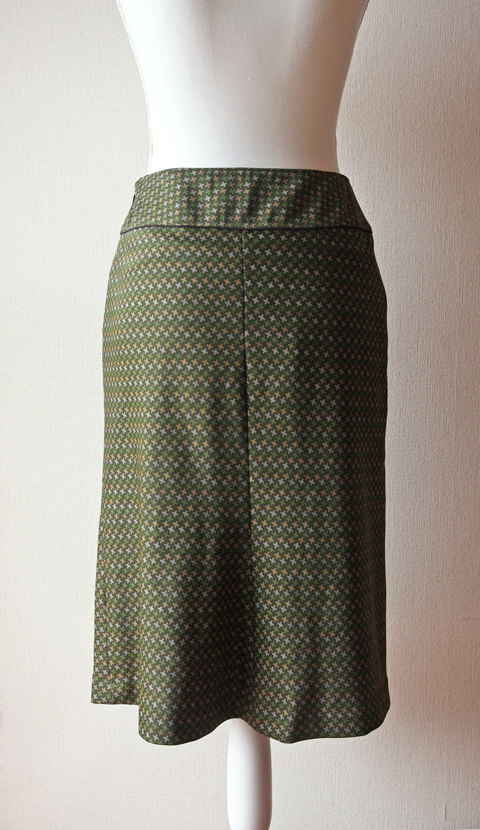 Army green houndstooth print skirt