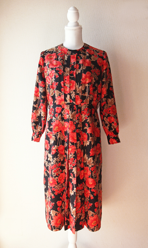 red-and-black-floral-wool-dress-6