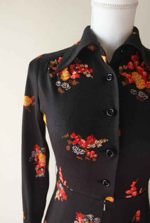 Ah Tricot black and red fitted floral dress 3