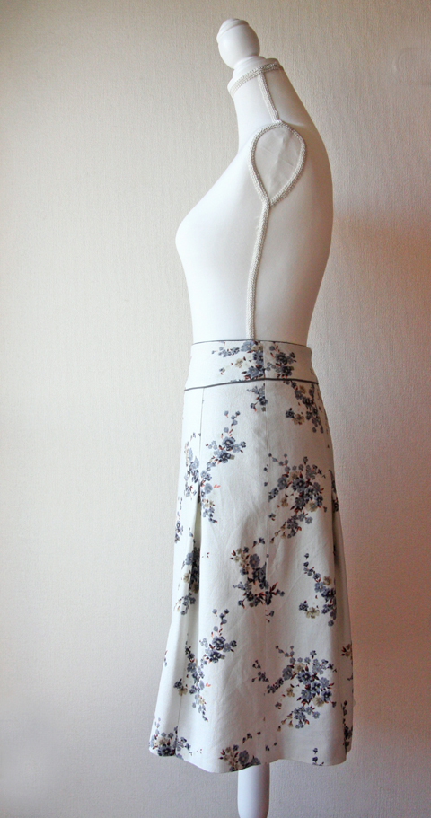 Rouge Vif cream and blue floral skirt 3