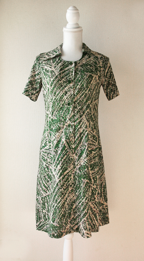 Handmade green and cream brushstroke batik summer dress 1